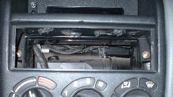 Da fehlt doch was im Radioschacht!?